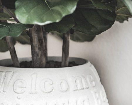 Vase mit Herzlich Willkommen Aufdruck